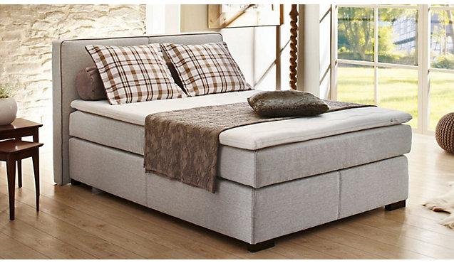 amerikanisches bett dekoration mode fashion. Black Bedroom Furniture Sets. Home Design Ideas